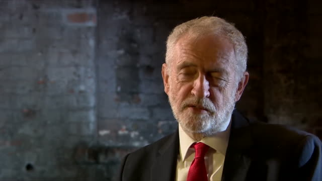 jeremy corbyn saying putting arbitrary figures on immigration simply doesn't work - emigration and immigration stock videos & royalty-free footage