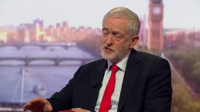 """vidéos et rushes de jeremy corbyn saying the use of nuclear weapons is """"a disaster for the world"""" and criticising donald trump's administration for """"unpicking"""" barack... - arme nucléaire"""