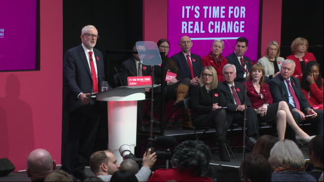 stockvideo's en b-roll-footage met jeremy corbyn saying this will be investment at a scale you've never known before at the labour party manifesto launch - labor partij