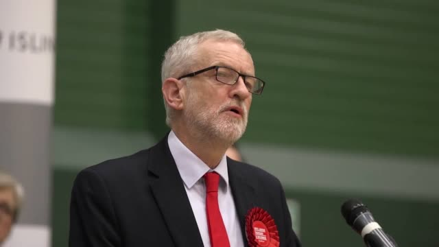 vidéos et rushes de jeremy corbyn says labour's manifesto would have helped to right the wrongs and injustices in the country and that his policies were popular during... - climate change