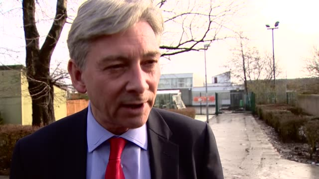 Visit to community centre EXT Corbyn and Leonard from building Richard Leonard MSP interview SOT cuts to Scottish government / BiFab crisis