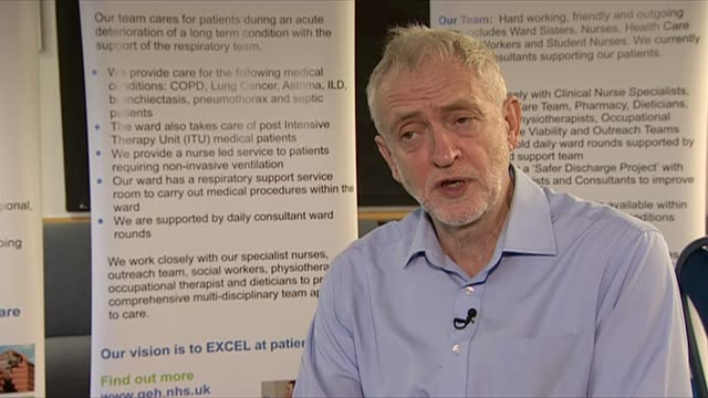 Jeremy Corbyn visits hospital in Nuneaton ENGLAND Warwickshire NuneatonGeorge Eliot Hospital INT Jeremy Corbyn MP chatting to patient / Corbyn along...