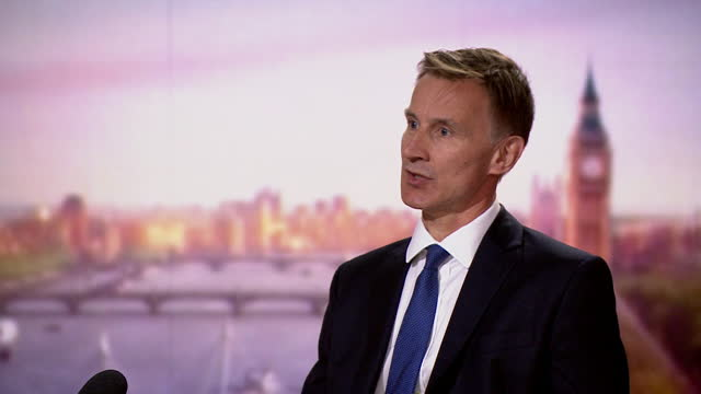 jeremy hunt saying he has yet to see evidence to support dominic cummings' claim that matt hancock lied during the covid pandemic - lying down stock videos & royalty-free footage