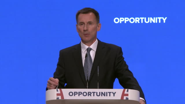 jeremy hunt saying if you turn the eu club into a prison the desire to get out of it will grow and we won't be the only prisoner that will want to... - gefängnisausbruch stock-videos und b-roll-filmmaterial