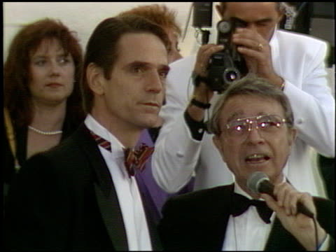 jeremy irons at the 1991 academy awards at the shrine auditorium in los angeles, california on march 25, 1991. - shrine auditorium 個影片檔及 b 捲影像