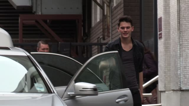 jeremy irvine leaves itv studios after appearing on daybreak sighted jeremy irvine on january 09 2012 in london england - öffentlicher auftritt stock-videos und b-roll-filmmaterial