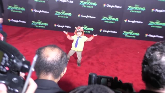 vidéos et rushes de jeremy maguire at the zootopia premiere at el capitan theatre in hollywood at celebrity sightings in los angeles on february 17 2016 in los angeles... - cinéma el capitan