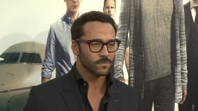 """jeremy piven at """"entourage"""" los angeles premiere at regency village theatre on june 01, 2015 in westwood, california. - regency village theater stock videos & royalty-free footage"""