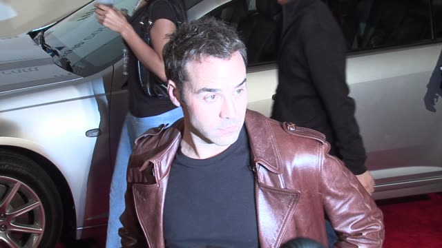 jeremy piven at the gm ten event in los angeles, california on february 28, 2006. - jeremy piven stock videos & royalty-free footage