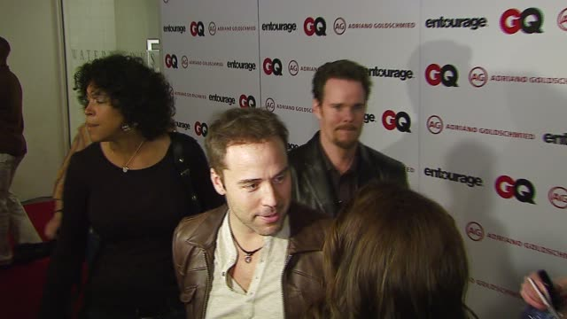 jeremy piven at the gq and hbo celebration of the new 'ag for entourage' premium denim line at ag jeans in los angeles, california on march 15, 2007. - jeremy piven stock videos & royalty-free footage