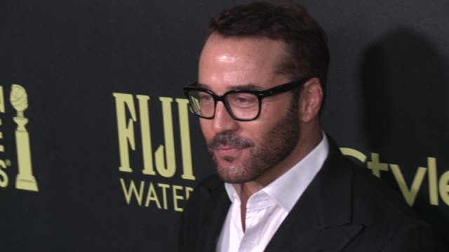 vídeos de stock e filmes b-roll de jeremy piven at the hollywood foreign press association and instyle celebrate the 2016 golden globe award season at ysabel on november 17 2015 in... - prémio globo de ouro