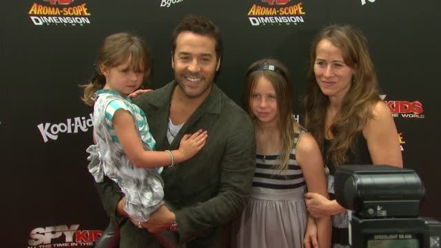 jeremy piven at the 'spy kids: all the time in the world' 4d premiere at los angeles ca. - jeremy piven stock videos & royalty-free footage