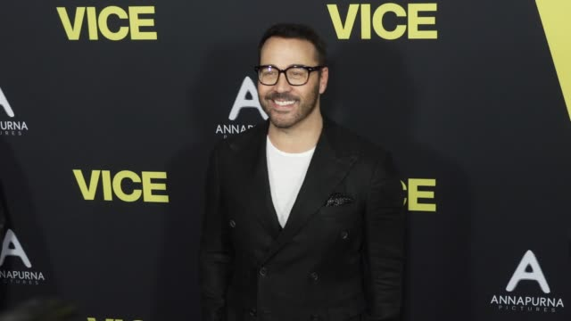"""jeremy piven at the """"vice"""" world premiere at samuel goldwyn theater on december 11, 2018 in beverly hills, california. - jeremy piven stock videos & royalty-free footage"""