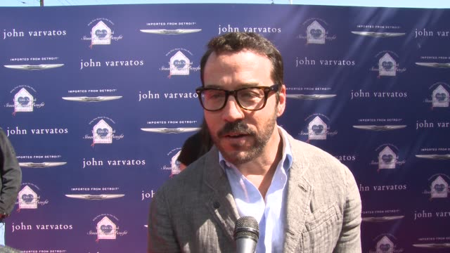 jeremy piven on being a part of the event, why he supports the stuart house, what he appreciates about john varvatos's support of the stuart house at... - jeremy piven stock videos & royalty-free footage