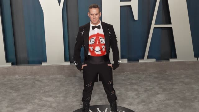 jeremy scott at vanity fair oscar party at wallis annenberg center for the performing arts on february 09 2020 in beverly hills california - vanity fair oscarparty stock-videos und b-roll-filmmaterial