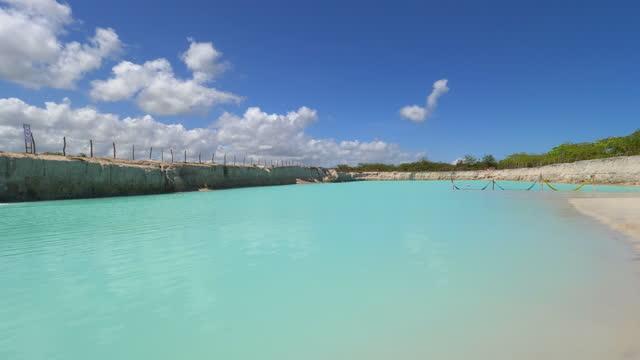 stockvideo's en b-roll-footage met jericoacoara paradijs, blue hole, fortaleza, ceara, brazilië - azul