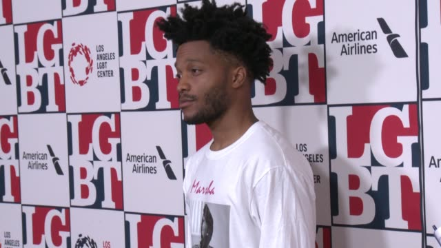 stockvideo's en b-roll-footage met jermaine fowler at los angeles lgbt center's 48th anniversary gala vanguard awards in los angeles ca - anniversary gala vanguard awards
