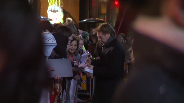 jerry bruckheimer at the confessions of a shopaholic uk premiere at london . - shopaholic stock-videos und b-roll-filmmaterial