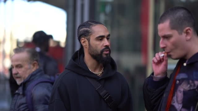 vídeos y material grabado en eventos de stock de jerry lorenzo fear of god founder is seen outside off white during paris fashion week menswear fall winter 20182019 on january 17 2018 in paris france - color crema