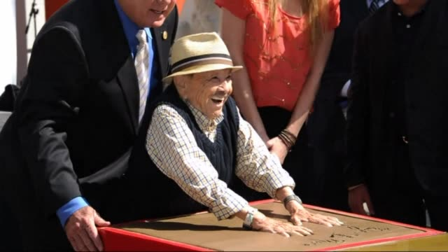 Jerry Maren 93 one of two remaining Munchkins from the original Wizard of Oz movie with Judy Garland is the oldest and smallest honoree in...