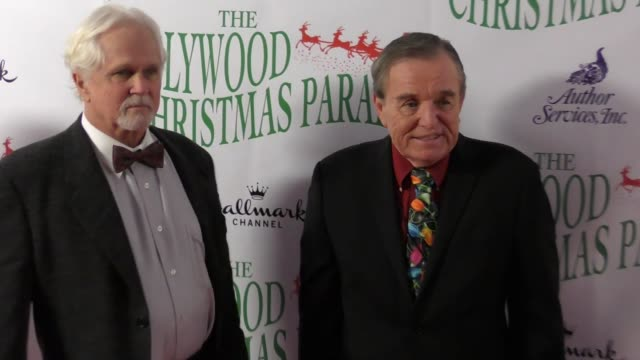 jerry mathers tony dow at the 86th annual hollywood christmas parade on november 26 2017 in hollywood california - sfilata di natale di hollywood video stock e b–roll