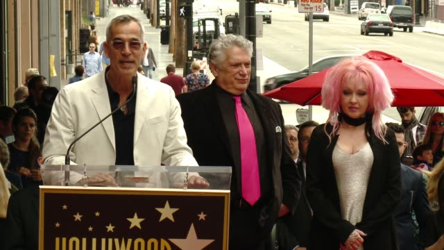 stockvideo's en b-roll-footage met jerry mitchell at cyndi lauper and harvey fierstein honored with star on the hollywood walk of fame at hollywood walk of fame on april 11, 2016 in... - cyndi lauper