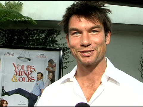 jerry o'connell on his character, the movie, and having kids at the 'yours, mine and ours' world premiere at the cinerama dome at arclight cinemas in... - arclight cinemas hollywood stock videos & royalty-free footage