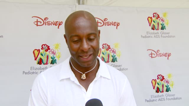 Jerry Rice on his 'Dancing with the Stars' experience why he wanted to attend this event and signing autographs to help the cause at the 'A Time For...