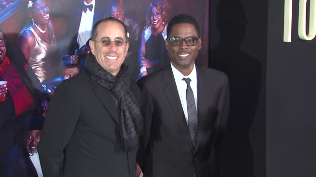 jerry seinfeld and chris rock at top five new york premiere arrivals at ziegfeld theatre on december 03 2014 in new york city - markenname stock-videos und b-roll-filmmaterial