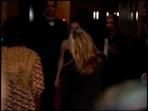 vídeos de stock e filmes b-roll de jerry seinfeld at the 1998 academy awards vanity fair party at morton's in west hollywood california on march 23 1998 - 70.ª edição da cerimónia dos óscares