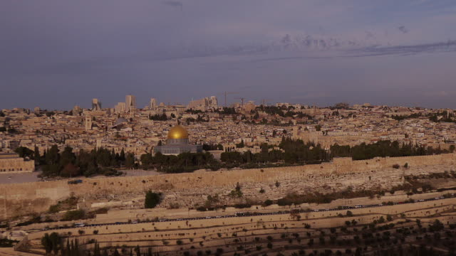 jerusalem at sunrise seen from mount of olives - dome of the rock time lapse - middle eastern culture stock videos & royalty-free footage
