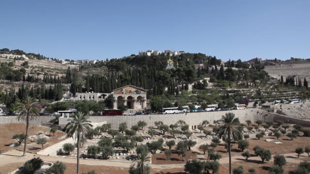 jerusalem, general view of the mount of the olives - ヴィアドロローサ点の映像素材/bロール
