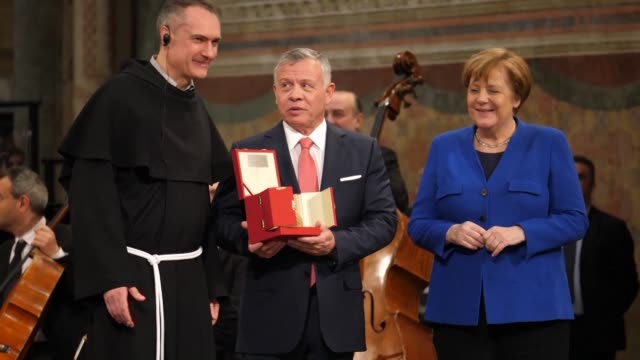 Jerusalem must be a unifying city of peace declares King Abdullah II of Jordan in his speech of thanks after receiving the Lamp of St Francis...