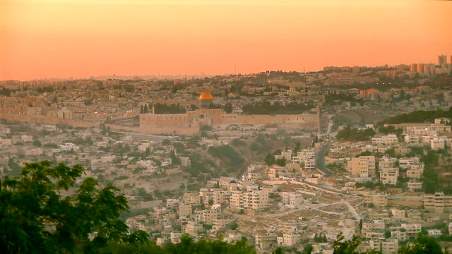 jerusalem old city and surrounding ws, dusk - jerusalem stock-videos und b-roll-filmmaterial