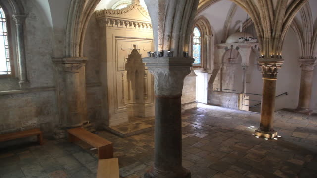 jerusalem, the coenaculum (cenacle), room of the last supper in mount zion - ヴィアドロローサ点の映像素材/bロール
