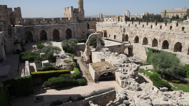jerusalem, view of the tower of david (migdal david), the jerusalem citadel - ヴィアドロローサ点の映像素材/bロール
