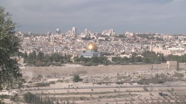 ws zi zo jerusalem with dome of  rock / jerusalem, central province, israel - sri lankan culture stock videos & royalty-free footage