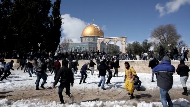 jerusalem woke up friday to about 25 centimetres of snow, as the second major blizzard of the winter swept across the hilltop holy city - jerusalem stock videos & royalty-free footage
