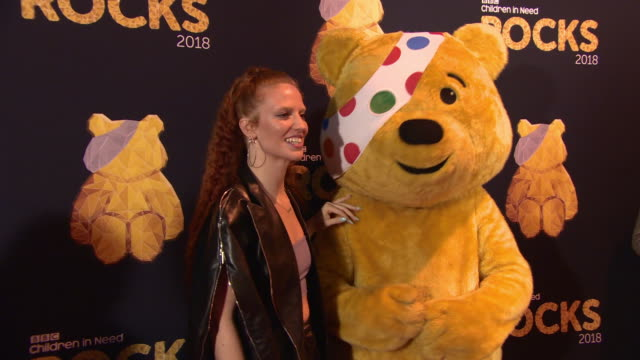 vidéos et rushes de jess glynne at bbc children in need rocks - charity concert - bbc children in need