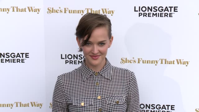"""jess weixler at the """"she's funny that way"""" los angeles premiere at harmony gold theatre on august 19, 2015 in los angeles, california. - she's funny that way点の映像素材/bロール"""