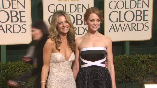 jessalyn gilsig jayma mays at the 67th annual golden globe awards arrivals part 3 at beverly hills ca - jayma mays stock videos and b-roll footage