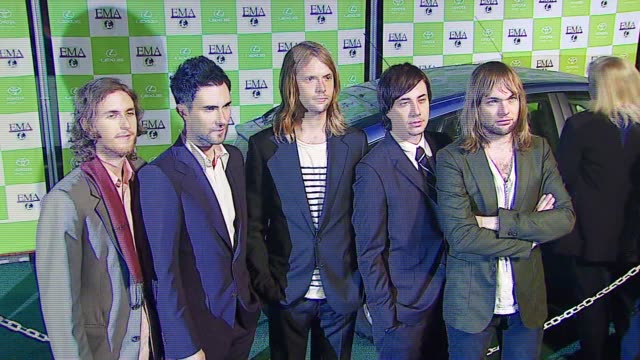 jesse carmichael adam levine james valentine matt flynn of maroon 5 at the 16th annual environmental media awards at ebell theater in los angeles... - environmental media awards点の映像素材/bロール