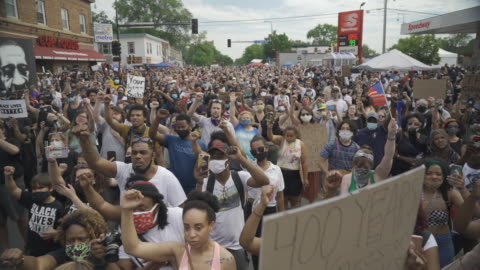 jesse jackson spoke to people at 38th and chicago in minneapolis, the site where george floyd died at the hands of police. - memorial video stock e b–roll
