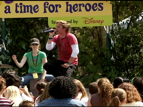 jesse mccartney performing at the 'a time for heroes' celebrity picnic and carnival to benefit the elizabeth glaser pediatric aids foundation at... - elizabeth glaser stock videos & royalty-free footage