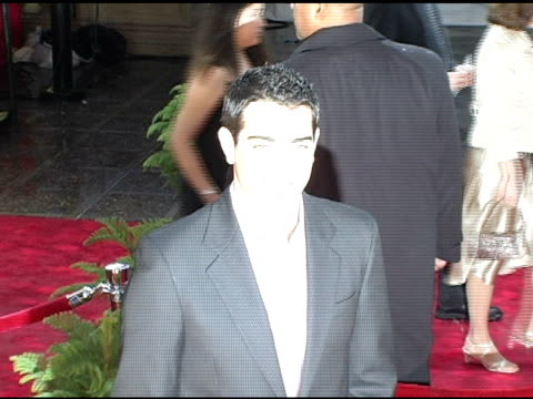 jesse metcalfe at the 2005 people's choice awards arrivals at the pasadena civic auditorium in pasadena california on january 10 2005 - pasadena civic auditorium stock videos & royalty-free footage