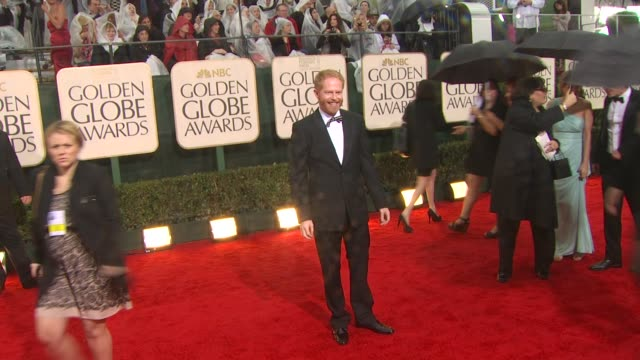 jesse tyler ferguson at the 67th annual golden globe awards arrivals part 3 at beverly hills ca - ゴールデングローブ賞点の映像素材/bロール