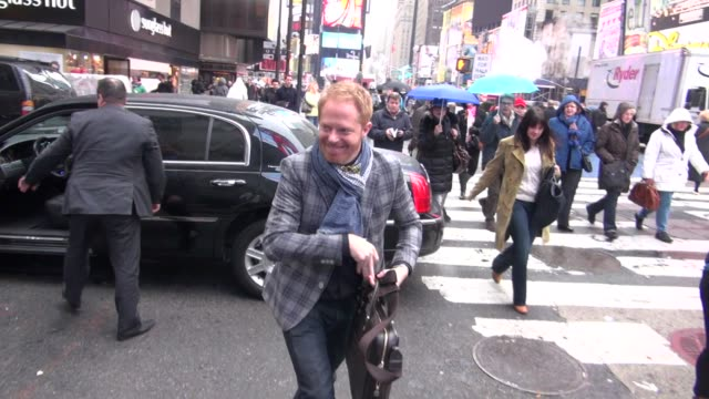jesse tyler ferguson at the vh1 studios in new york ny on 12/7/12 - vh1 stock videos & royalty-free footage