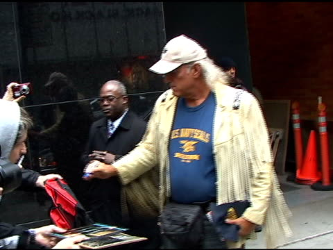 jesse ventura signs autographs for fans before departing 'good morning america' in new york 04/04/11 - autogramm stock-videos und b-roll-filmmaterial