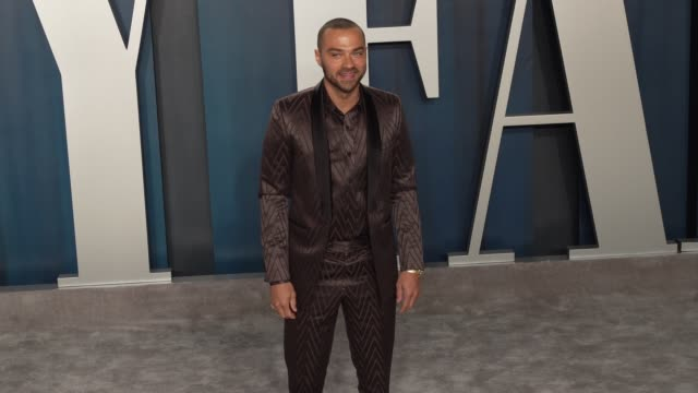 jesse williams at vanity fair oscar party at wallis annenberg center for the performing arts on february 09 2020 in beverly hills california - vanity fair oscarparty stock-videos und b-roll-filmmaterial