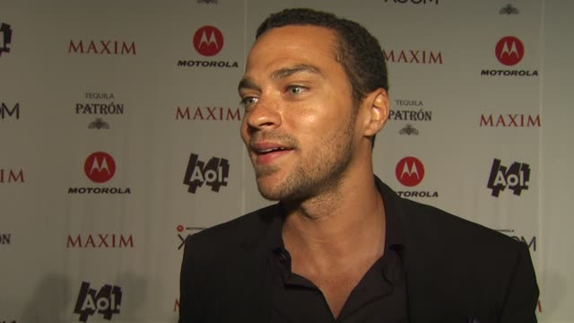 vidéos et rushes de jesse williams on why he wanted to attend the maxim party, what his super bowl traditions are, if he routing for the steelers or packers, what some... - nfc